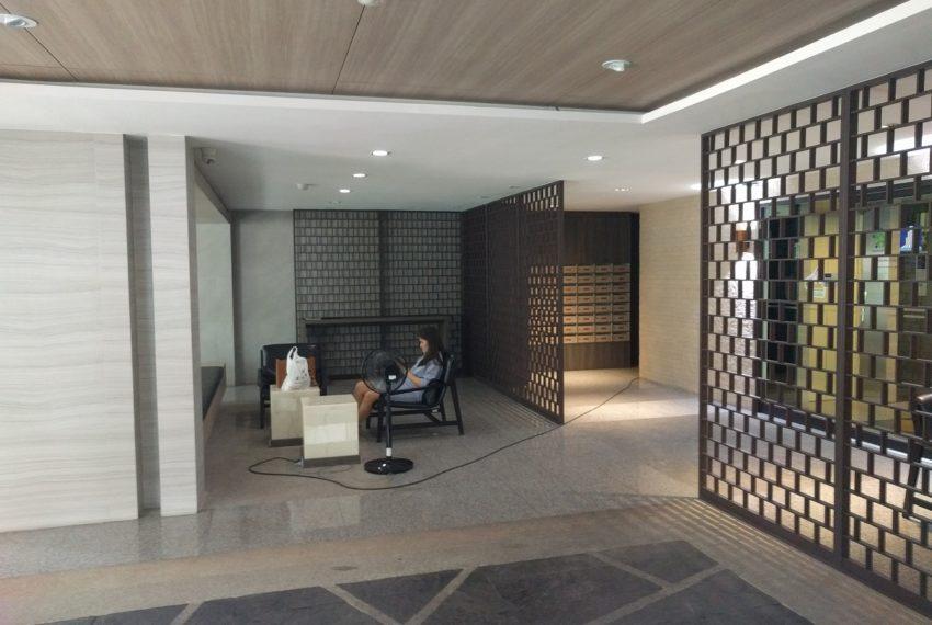Lumpini Suite Sukhumvit 41 lobby3 - Copy