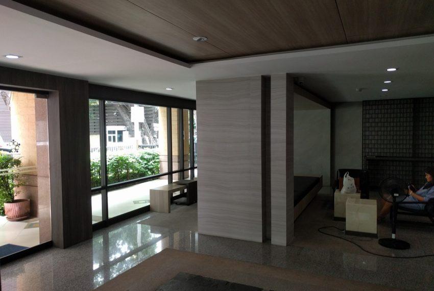 Lumpini Suite Sukhumvit 41 lobby4 - Copy