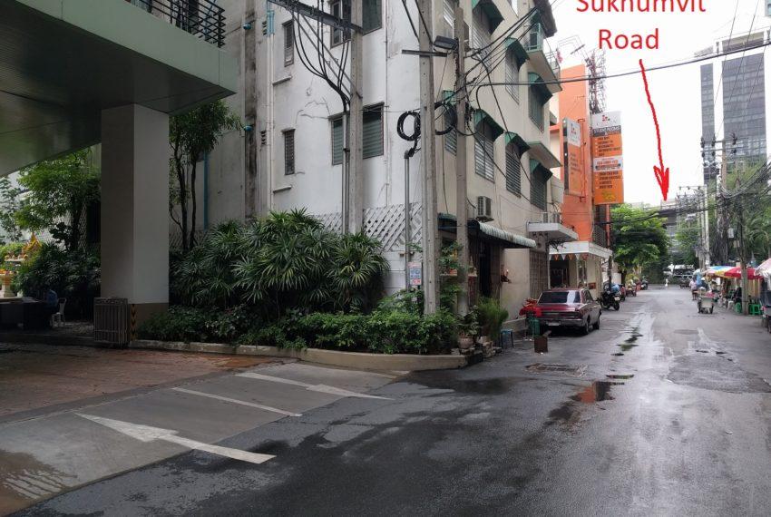 Lumpini Suite Sukhumvit 41 near Sukhumvit road - Copy