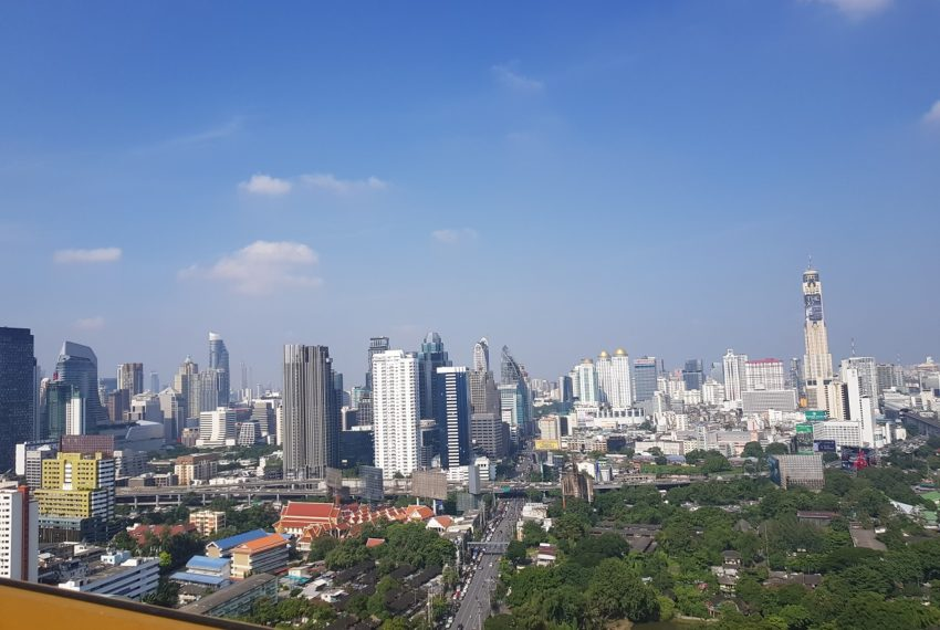 Lumpini Suites Phetchaburi Makkasan - rooftop view