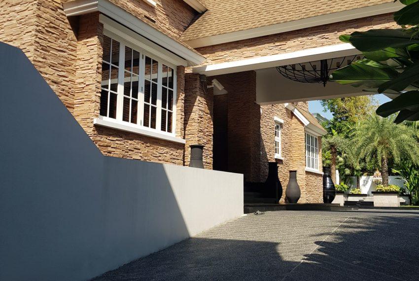 Luxury House-Resort-Sukhumvit-71-sale-rent-building