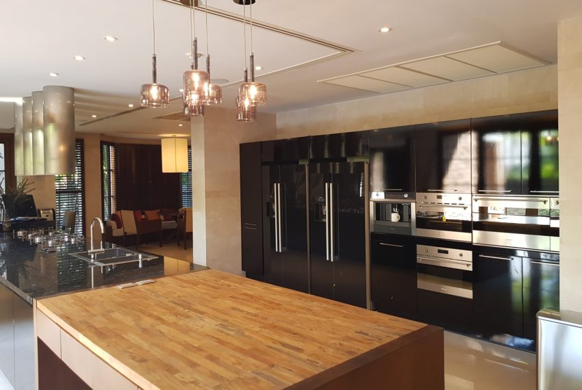 Luxury House-Resort-Sukhumvit-71-sale-rent-kitchen