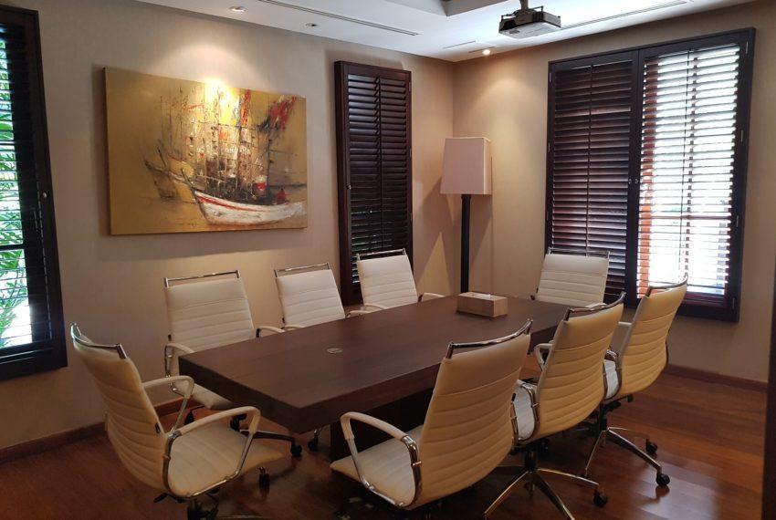 Luxury House-Resort-Sukhumvit-71-sale-rent-office-meeting-room