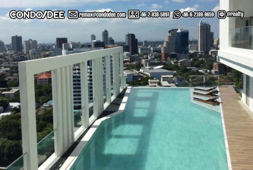 M Thonglor 10 - swimming pool