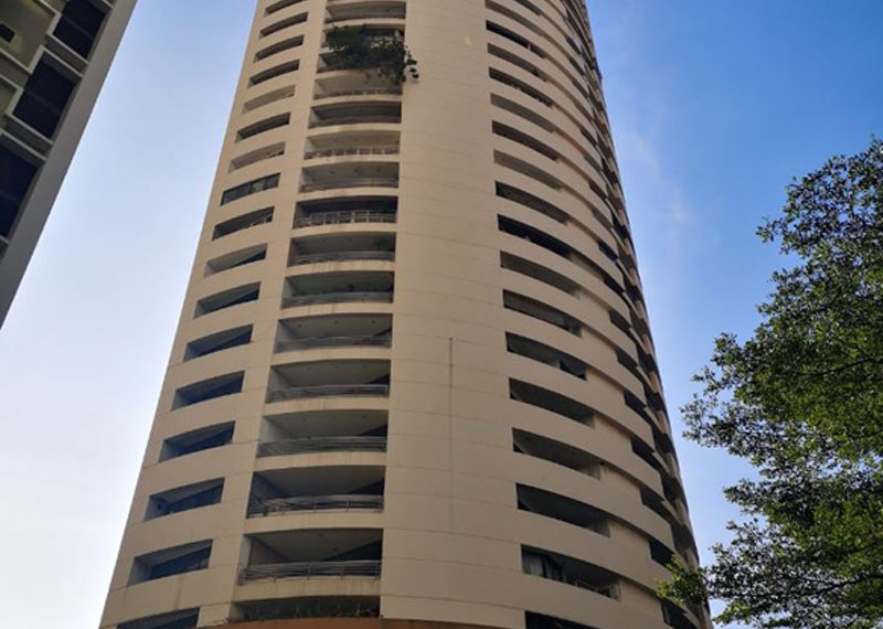 Mahogany Tower Sukhumvit 24 - building