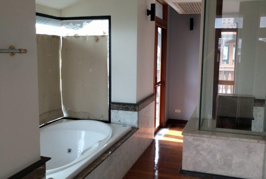 Maison de Siam 420smq room master bedroom toilet01