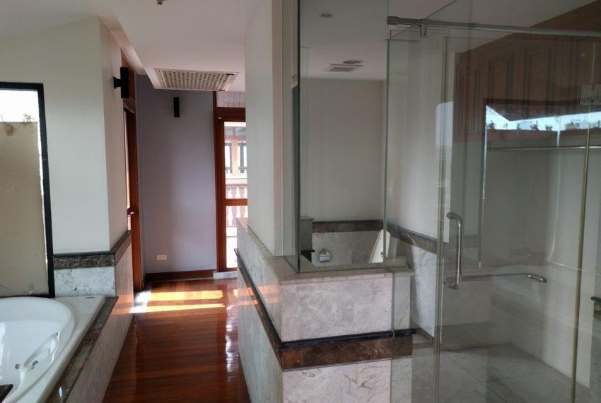 Maison de Siam 420smq room master bedroom toilet02