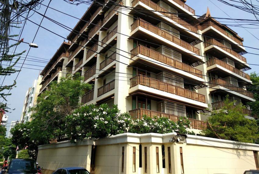 Luxury Condominium Building For Sale in Central Bangkok