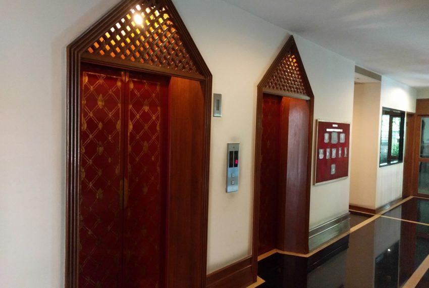 Maison de Siam elevators01