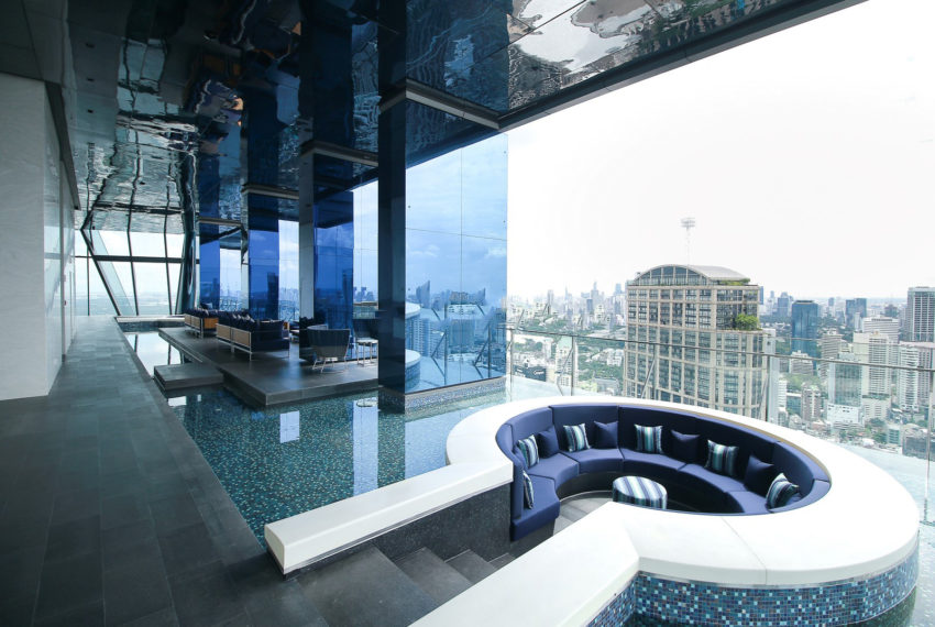 Marque Sukhumvit condominium - pool
