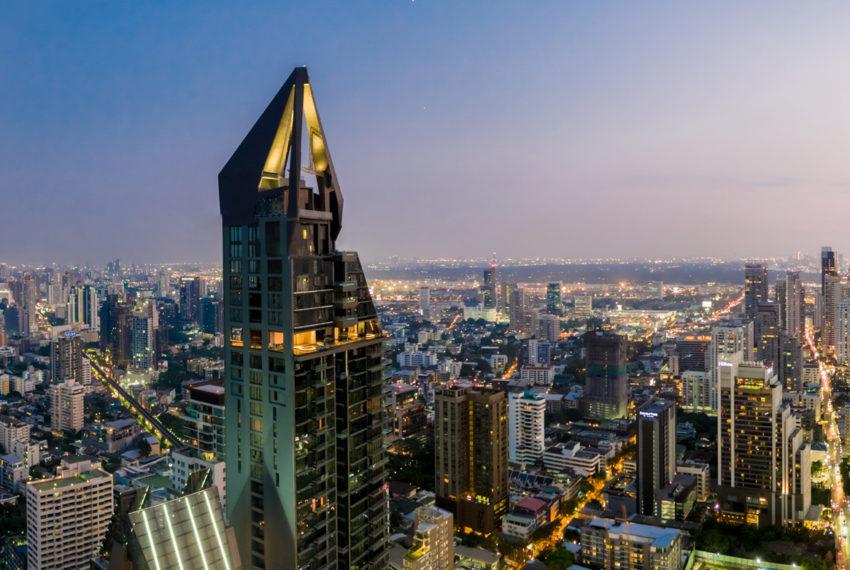 Marque Sukhumvit condominium - roof view