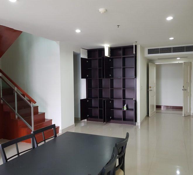 Spacious 2-Bedroom 3-Bathroom Duplex Condo in Asoke in The Master Centrium
