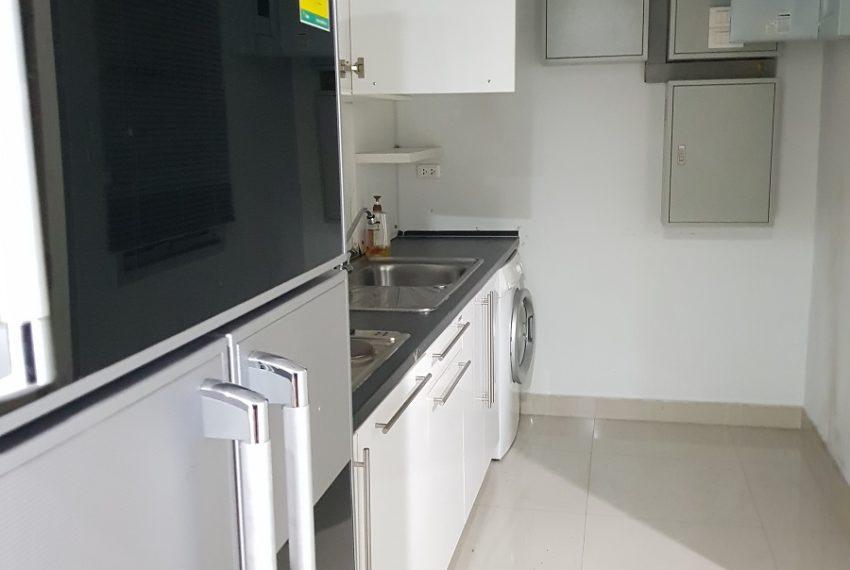 Master Centrium 2-bedroom duplex at Asoke for sale - kitchen