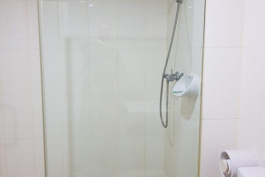 Master Centrium 2-bedroom duplex at Asoke for sale - shower