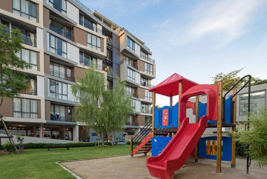 Mattani Suites Ekkamai 22 apartment - kids playground