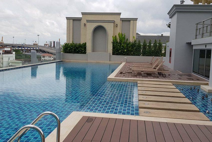 Mayfair Place Sukhumvit 50 condo - pool