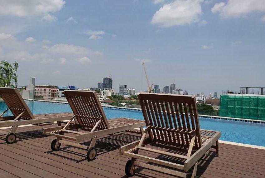 Mayfair Place Sukhumvit 50 condo - relax