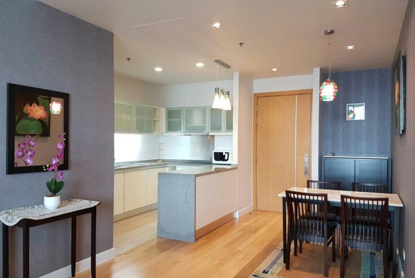 Millennium Residence 2 bedrooms high floor rent - kitchen