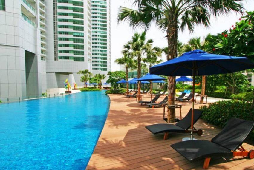 Millennium Residence Condominium Sukhumvit 20 - pool area
