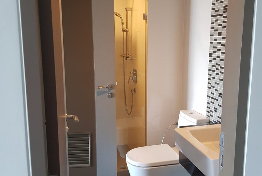 Mirage Sukhumvit 23 - 1bed 1 bath - top floor - bathroom