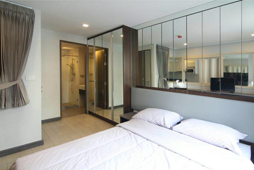 Mirage Sukhumvit 27 bedroom 01