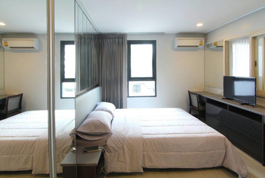 Mirage Sukhumvit 27 bedroom 02