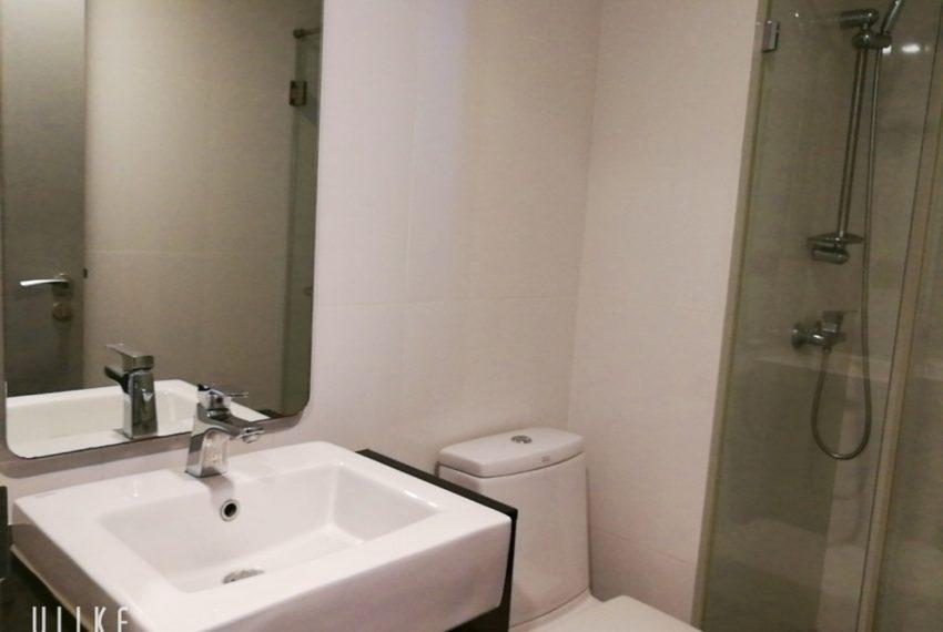Mirage_2b2b_bathroom2