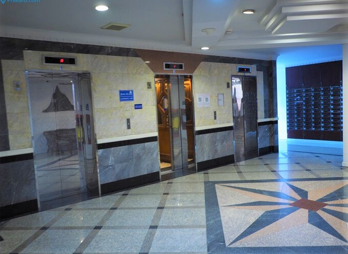 Monterey Place - 1b1b - For Sale - Lobby area