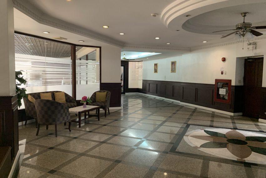 Monterey Place Sukhumvit 16 - lobby