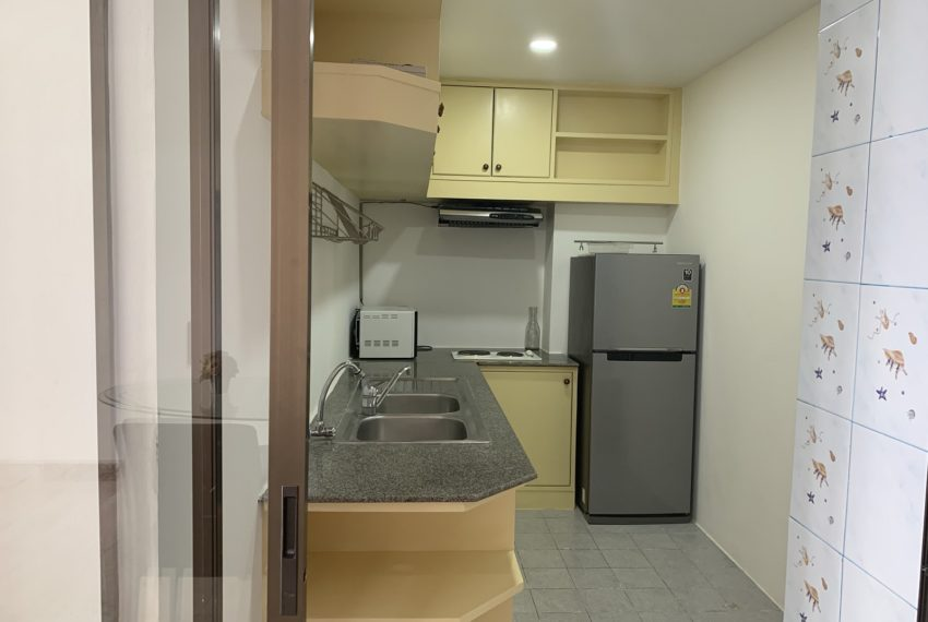Monterey Place Sukhumvit 16 - rent 2-bedrooms - kitchen