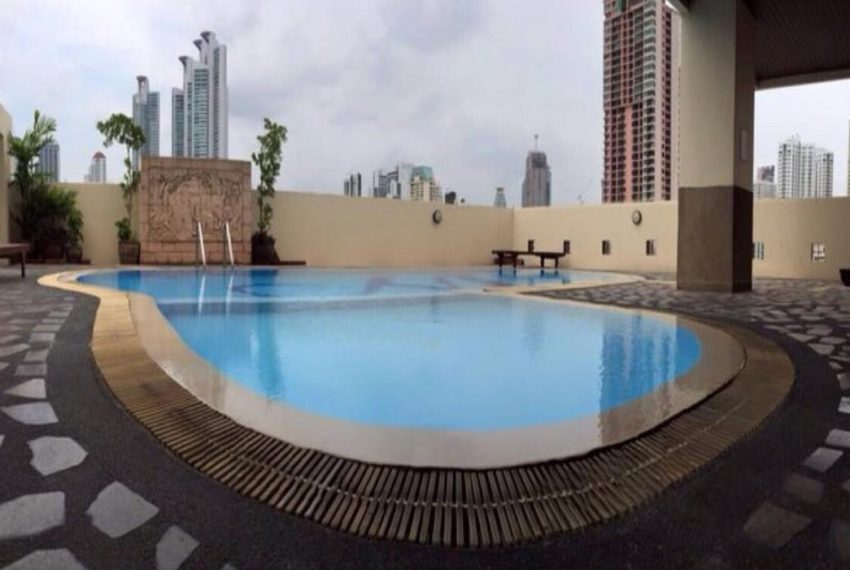 Monterey Place Sukhumvit 16 - swimming pool