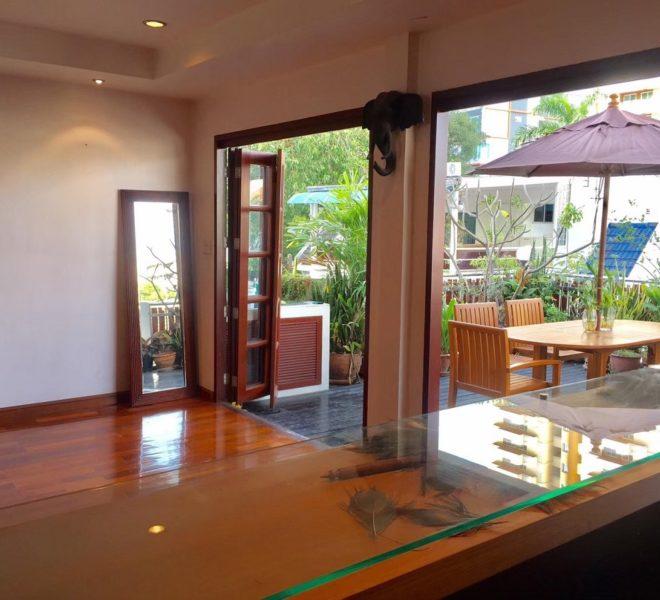Moobaan Promitr Villa 39-terrace-rent-sale