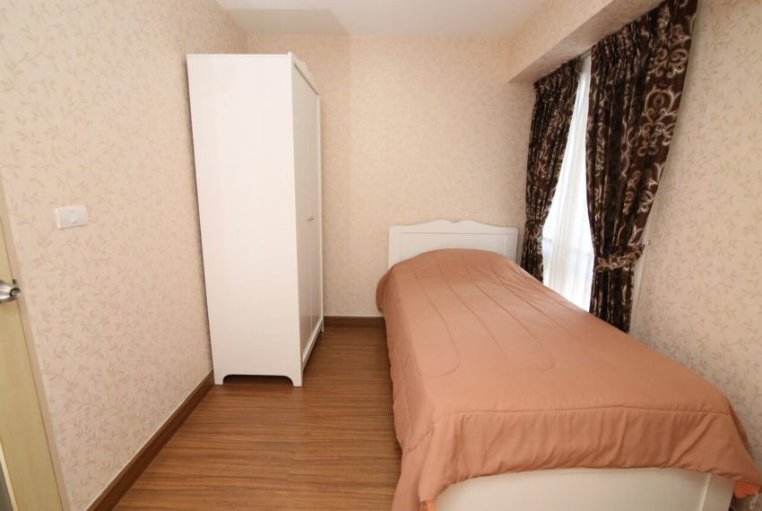 My-Resort-2bed-1bath-Sale-bed2