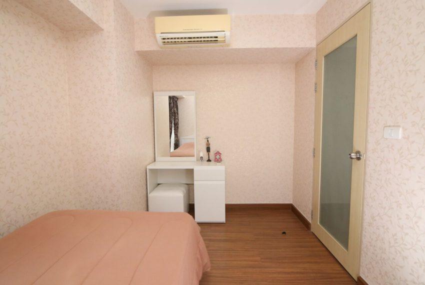 My-Resort-2bed-1bath-Sale-bedroom2