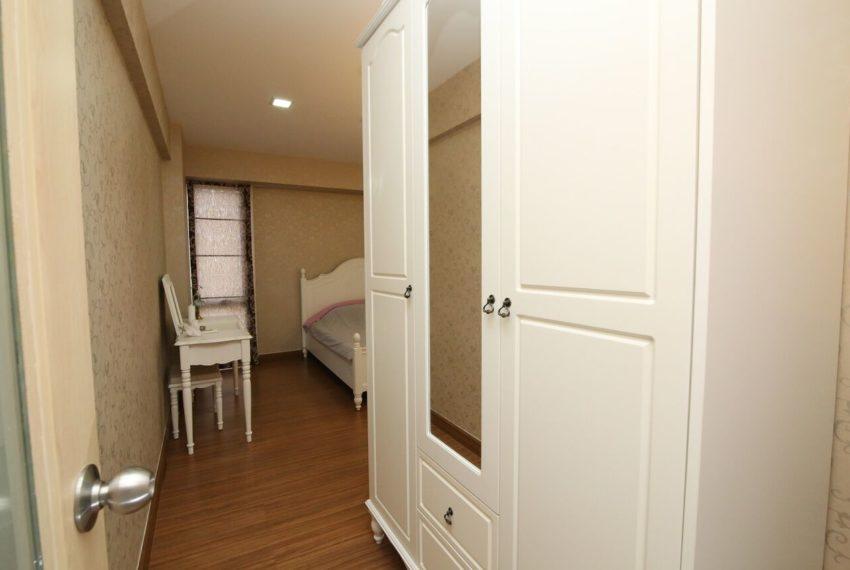 My-Resort-2bed-1bath-Sale-closet