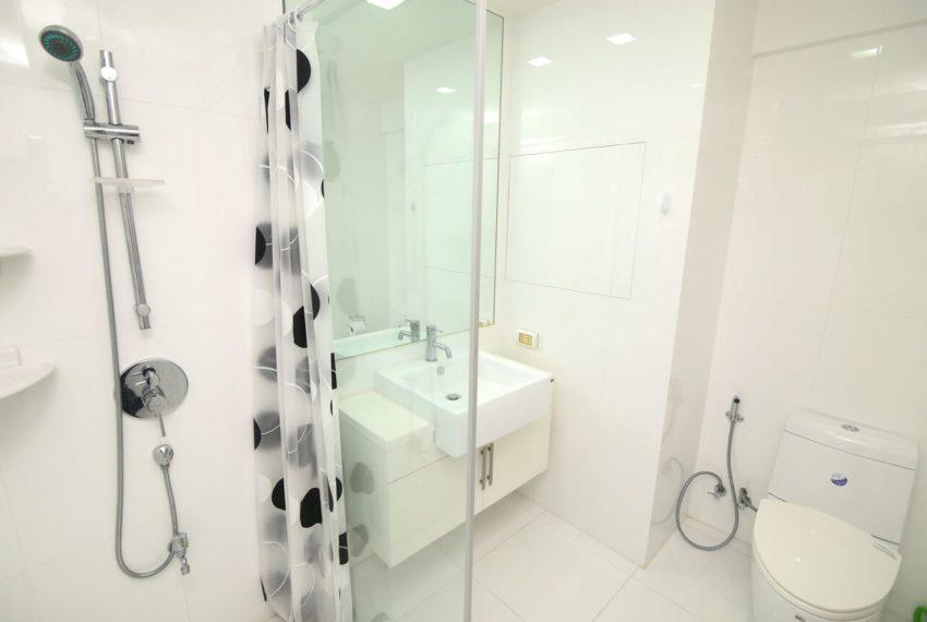 My-Resort-2bed-1bath-Sale-toilet