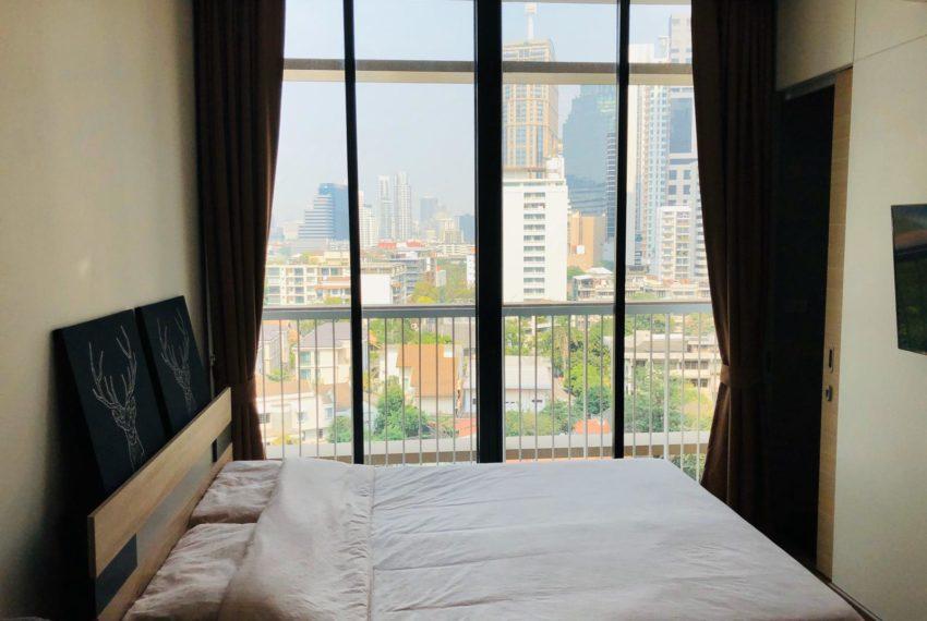 New condo for rent in Phrom Phong - 1 bedroom - low floor - Park 24 condominium - bed