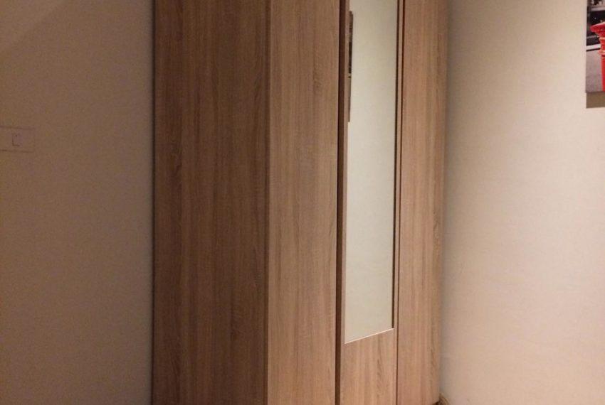 New condo for rent in Phrom Phong - 1 bedroom - low floor - Park 24 condominium - closet