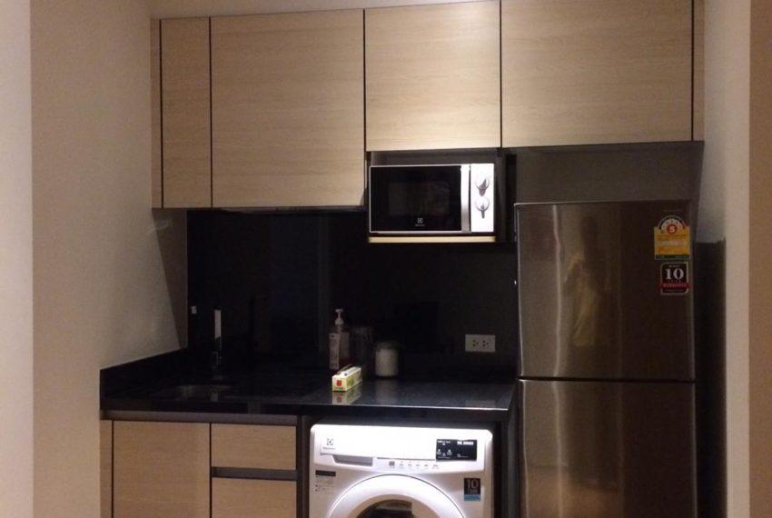 New condo for rent in Phrom Phong - 1 bedroom - low floor - Park 24 condominium - fridge