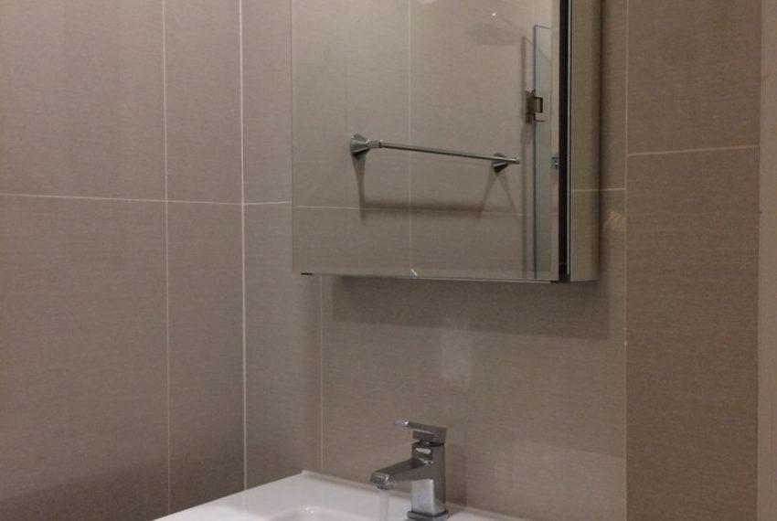 New condo for rent in Phrom Phong - 1 bedroom - low floor - Park 24 condominium - toilet