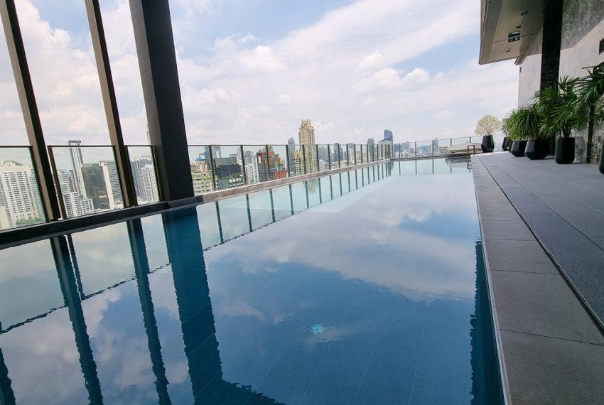 Noble Around Sukhumvit 33 - rooftop infinity pool