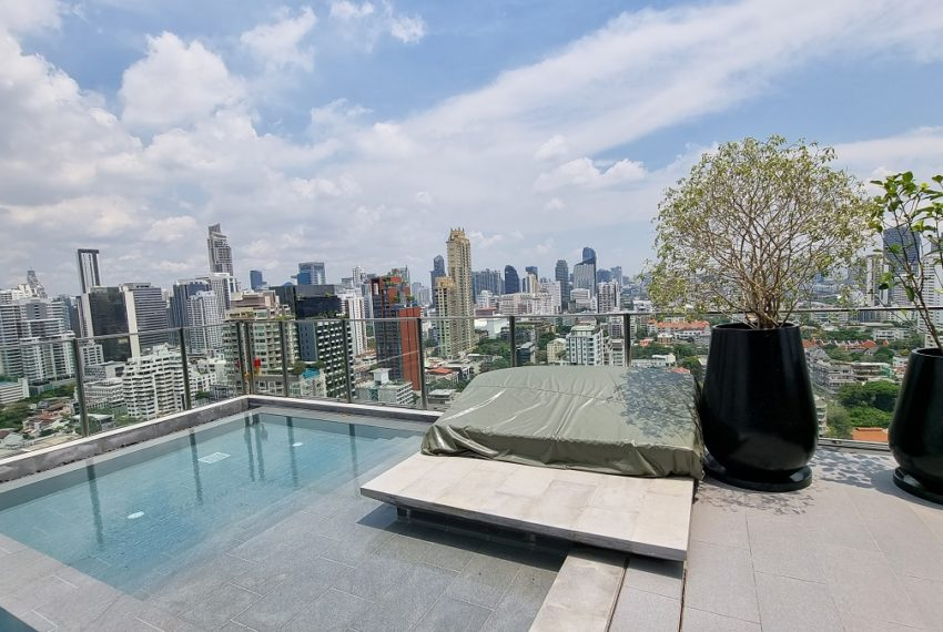 Noble Around Sukhumvit 33 - rooftop view