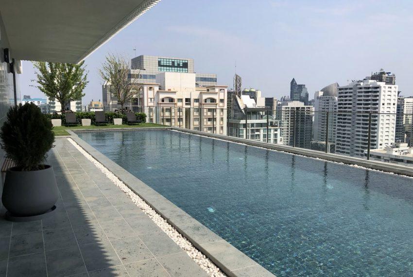 Noble Recole condo at Sukhumvit 19 - swimming pool 2