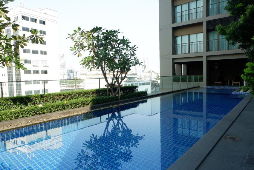 Noble Refine SUkhumvit 26 condo - swimming pool