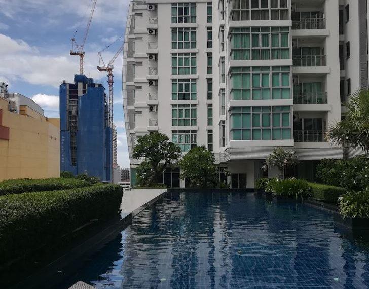 Nusasari Grand Condo Sukhumvit 42 - pool