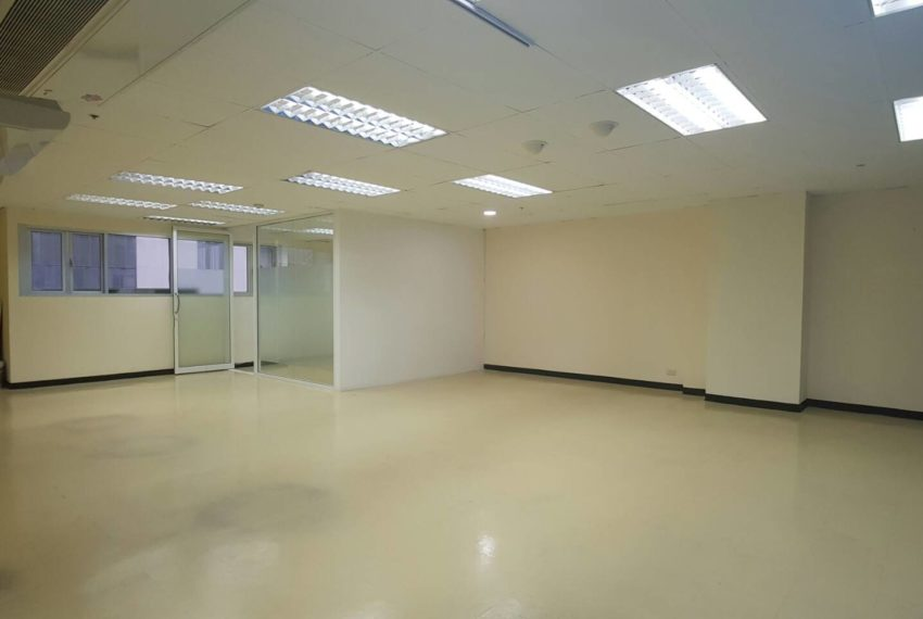 Office for rent in Trendy Plaza - open space