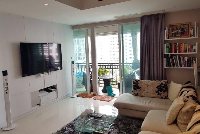 Oleander Sukhumvit 11 - 1bedroom pool view - balcony