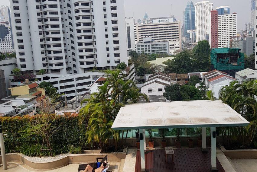 Oleander Sukhumvit 11 - 1bedroom pool view - city view