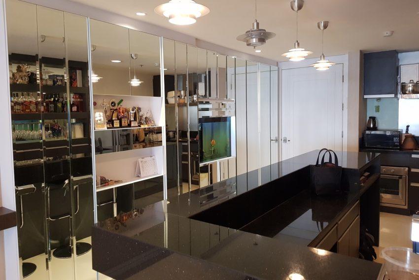 Oleander Sukhumvit 11 - 1bedroom pool view - entrance