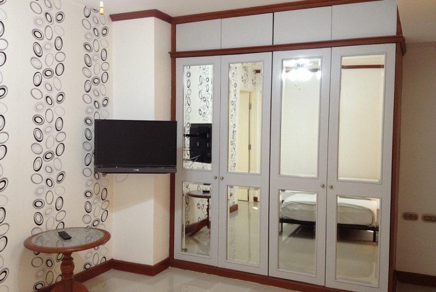 Omni-Tower-3-bedroom-sale-bedroom